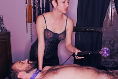 dominatrix Domme Discordia prodomme violet wand