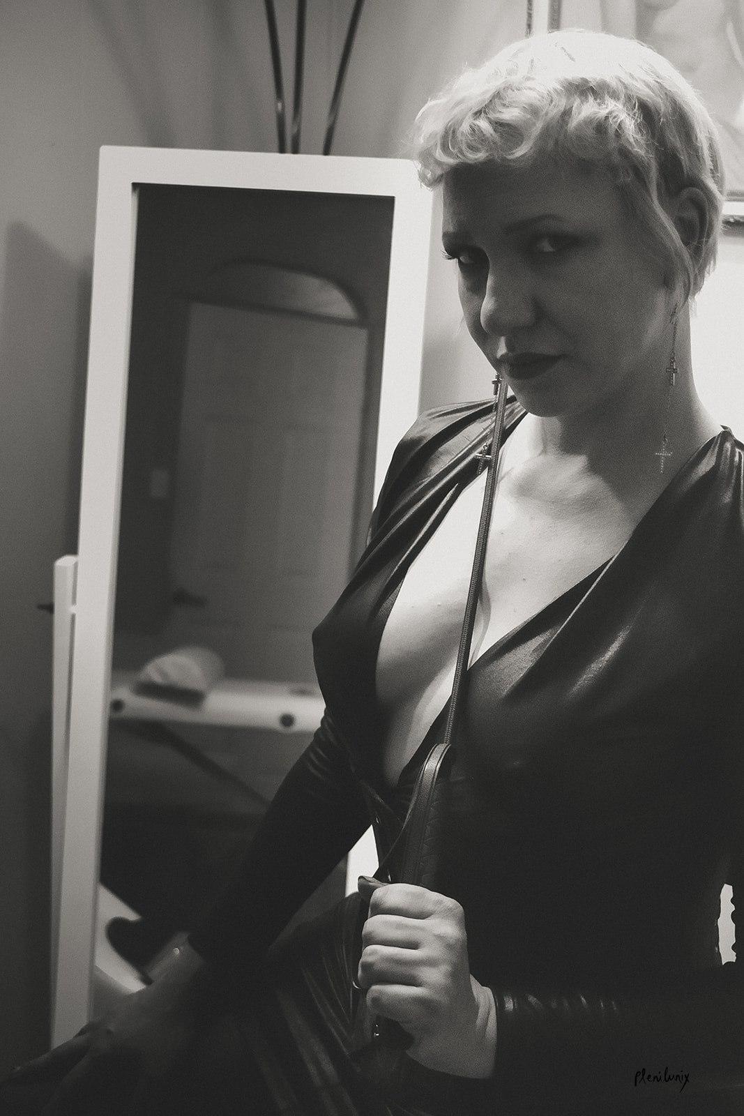 BDSM proDomme Domme Discordia Dominatrix NYC