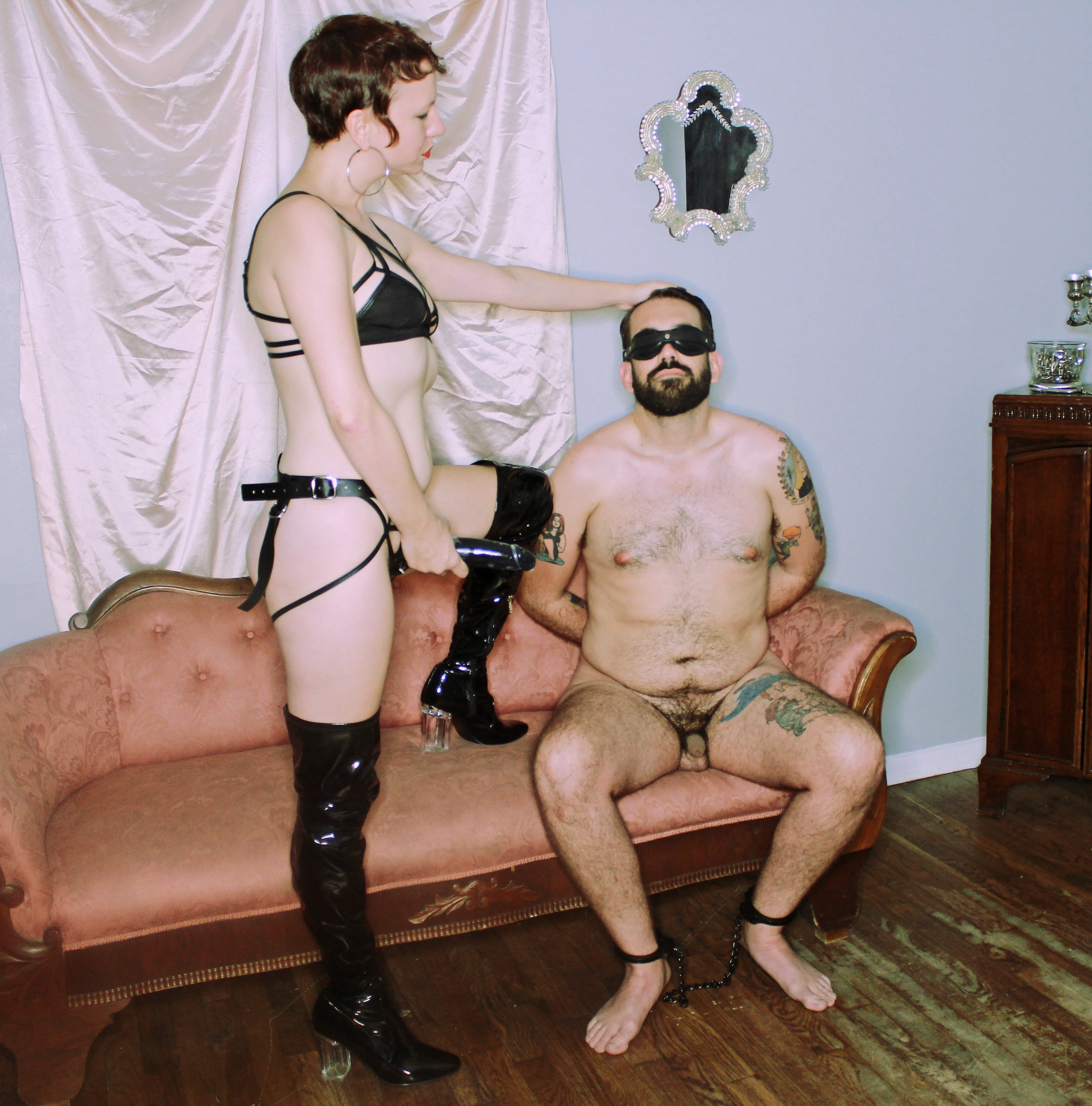 Domme Discordia Professional Dominatrix ProDomme NYC FemDomme Brooklyn